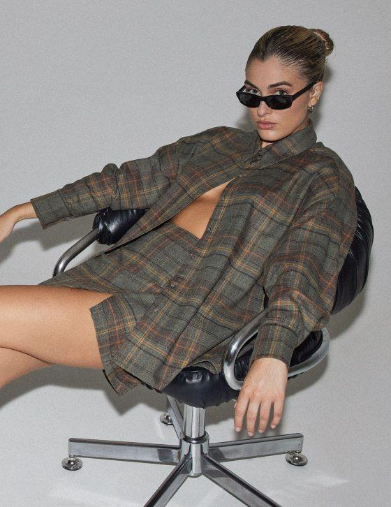 Γυναικείο πουκάμισο με άνετη σύμμετρη εφαρμογή