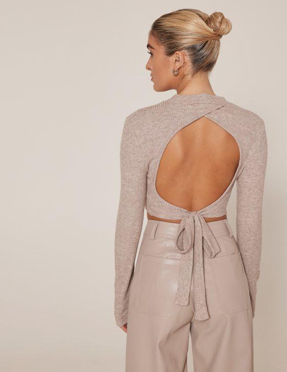 Γυναικεία μπλούζα με γυριστό λαιμό και δέσιμο στη μέση